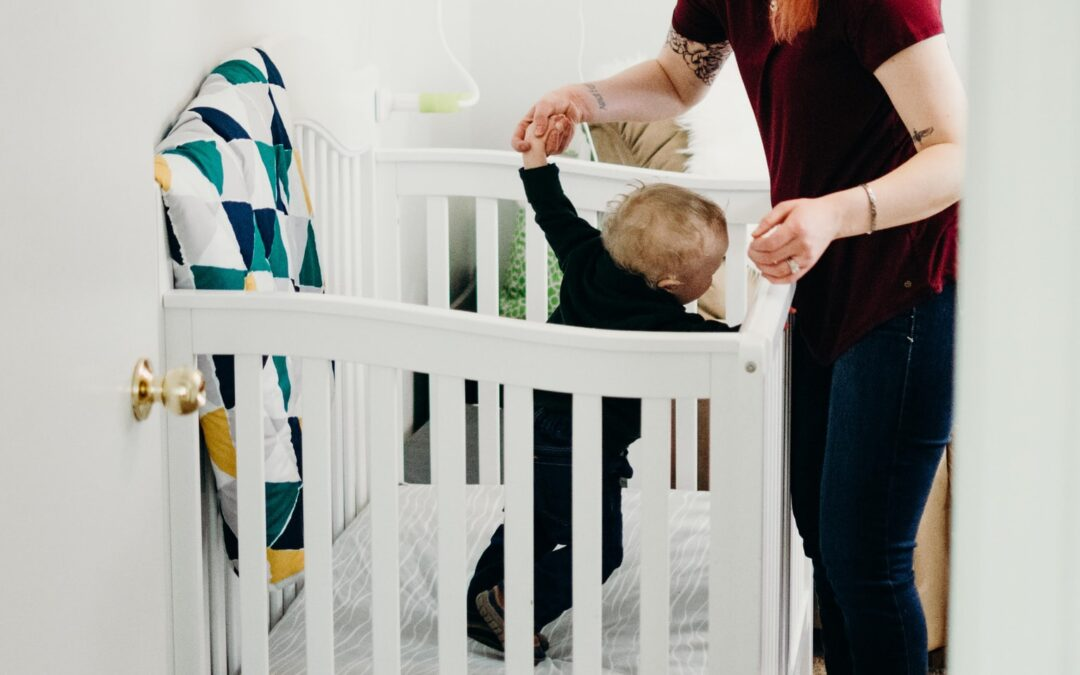 How To Handle Your Baby Standing In the Crib and Won't Sleep
